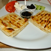 EASY FILO PASTRY WITH CHEESE (GOZLEME)